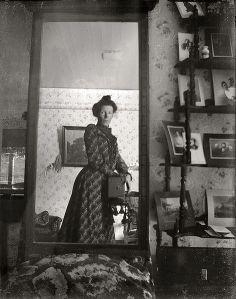 1900 selfie